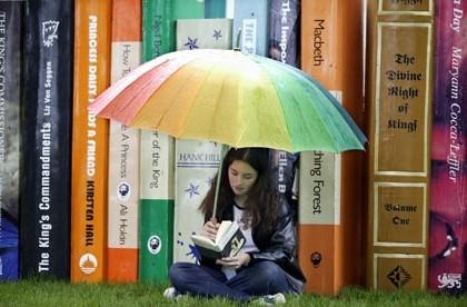 Girl-reading-a-book-001